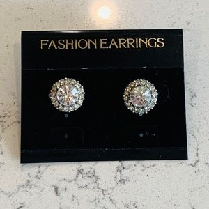 🎉5 for $25🎉 Crystal Stud Halo Earrings